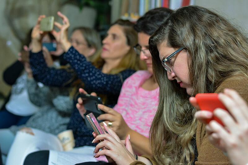 סדנת צילום בטלפון - לימודים אישיים בקבוצה
